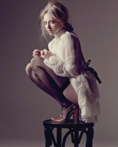 Amanda Seyfried is looking hot in nylon stockings.