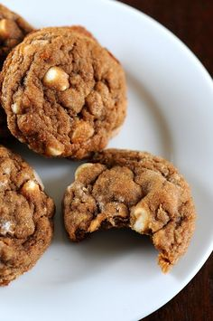 Molasses Oatmeal White Chocolate Chip Cookies