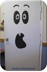 LIke if you think I shouhld do this for decorating a classroom door!