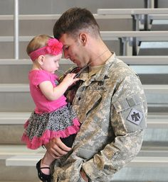 An Oklahoma #NationalGuard #Soldier prepares to leave for a deployment to Afghanistan.