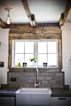 i have such love for exposed beams and wooden walls