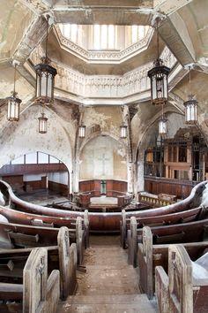 Abandoned church, St. Curvy Detroit, MI