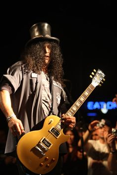 Slash performing with Camp Freddy @ The Roxy - Dec. 2009  photo: © Erik Thureson all rights reserved
