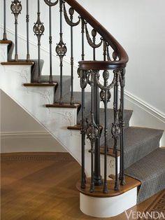 Bronze railings. Metalwork by Les Métalliers Champenois.