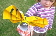 A busy bumble bee puppet... craft camp, camp craft, hand puppets, bee craft, craft idea, insect, bumble bees, kid crafts, beauti bee
