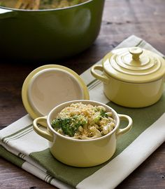 Stovetop pesto macaroni & cheese + tips for making the perfect mac & cheese (including make-ahead ideas)   @Oh My Veggies