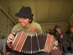 Playing the bandoneón