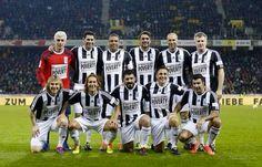 Zidane, Ronaldo, Maldini, Nedved, Figo, Hierro, Nedved, Gattuso, Cannavaro & others in a friendly match against poverty
