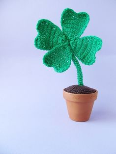 St. Patrick's Day Crochet Clover for She Knows