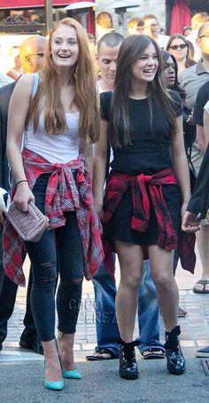 Hailee Steinfeld & Game Of Thrones' Sophie Turner Team Up To Take On The Grunge Trend At The Grove!
