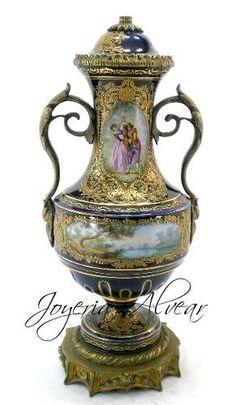 Bellisima Anfora De Porcelana Sevres * Circa 1930