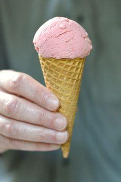 Frozen Strawberry Yogurt via @foodwanderings