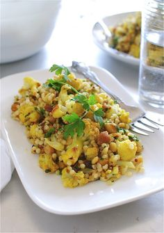 Curry cauliflower and chickpeas salad with any grains (quinoa, couscous, barley, brown rice, w/e)