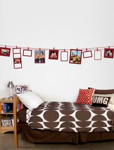 clotheslines, decorating ideas, picture displays, decal, hang pictures, picture frames, dorm rooms, college dorms, dorm idea