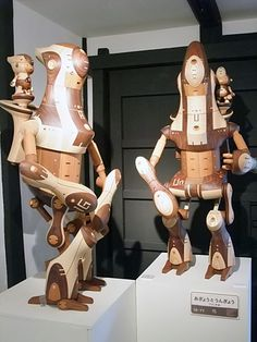 amazing wooden sculptures by a Japanese artist
