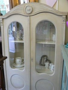 Armoire Annie Sloan Country Grey £650