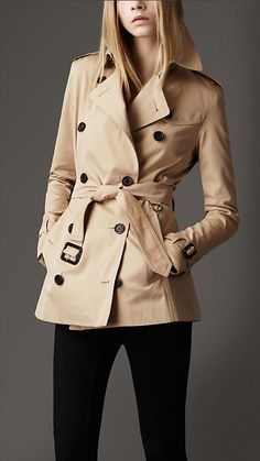 Burberry trench... Must get this