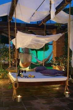 swing beds, hanging beds, outdoor living, back porches, backyard