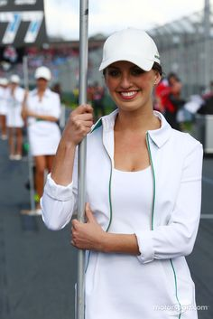 Grid girls GP Australia 2014