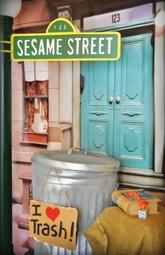 Love this backdrop HWTM blog Creative Sesame Street Inspired Birthday Party