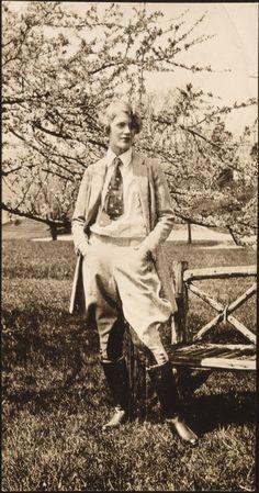 Lee Miller, 1929.