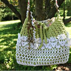Lacy Crochet Shoulder Bag, with description of how it was made.