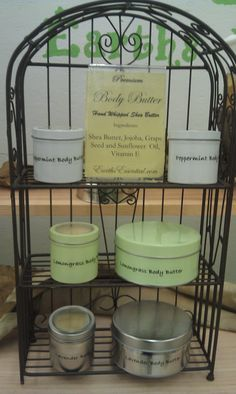 Body Butter made with whipped shea butter, jojoba oil, grape seed oil, cornstarch, vitamin E and essential oil.