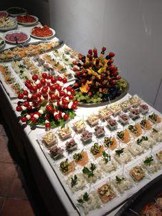ohhhhhhhh pretty!!!!!!!!!!!! catering buffet, pretty finger food, party buffet food, catering food, parti