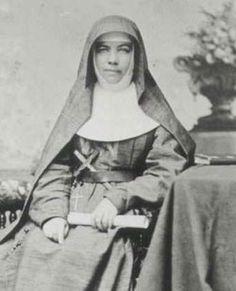 St. Mary MacKillop the first Australian saint. romans, nun, cathol bishop, brisbane, australian order, crosses, cathol saint, education, mari mackillop