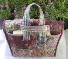 fat quarter gypsy bag pattern | ... Bag PATTERN - A Quilting and Sewing Six Fat Quarter Project - Lunch