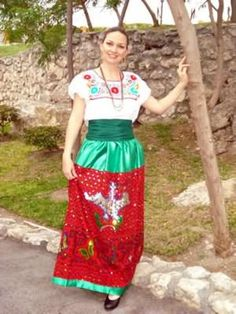 Traje Regional de PUEBLA - MÉXICO - based on the style of that state - for more of Mexico visit www.mainlymexican... #Mexico #Mexican #women #fashion #costume #dress