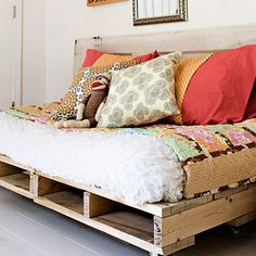 Wood Pallet Couch on Pinterest