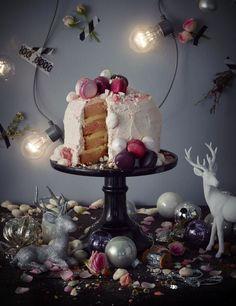 Holiday cake by Baki