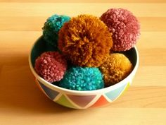 How to Make Pom Poms Five Times Faster Than Everyone Else #yarn