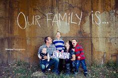 Google Image Result for http://sharilee.ca/blog/wp-content/uploads/2010/11/GAL-8777BLOG.jpg family portrait poses, family portraits, bless, famili portrait, portrait family, families, famili photo, photographi