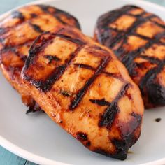 Grilled Honey Lime Sriracha Chicken - SUPER moist and flavorful!