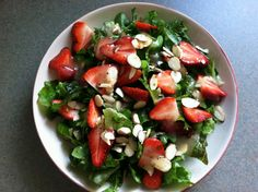 Perfect summer salad for the runner on-the-go! womensrunning.com/blog