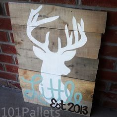 Pallet Furniture - Wooden Pallets Ideas for Bed, Table, Couch #pallet #palletsign #rustic #deerdecor