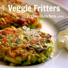 Veggie Fritters (WARNING: addicting!) - will have to make these yummies soon #food #appetizers #sidedish #fritters #veggies