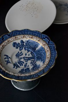 Orphaned Plate Pedestal OLD BLUE WILLOW