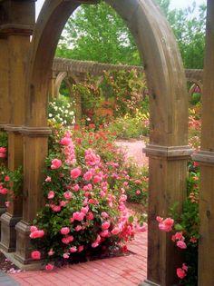 pink roses, secret gardens, dream garden, garden gates, garden arches, beauti, garden idea, rose garden, flowers garden