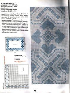 Toalha de mesa retangular branca em ponto reto azul