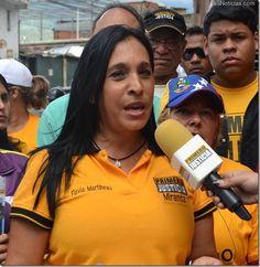 Martineau: Al gobierno le importan más los muertos de Gaza que los de Venezuela - http://www.leanoticias.com/2012/11/19/martineau-al-gobierno-le-importan-mas-los-muertos-de-gaza-que-los-de-venezuela/