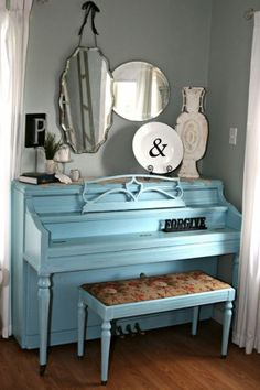 I love the decor on top of the piano!!! I would love to paint my piano like this!