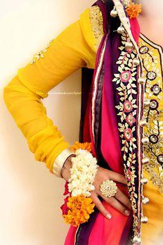 dulhan indian pakistani bollywood bride  desi wedding  XYRA PHOTOGRAPHY http://www.facebook.com/Xyra.Photography costume India initiation