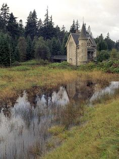 Kinlochlaggan Gatehouse (ardverikie castle estate), Scotland, as seen on Monarch of the Glen