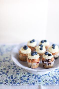 she who eats: little blueberry cupcakes