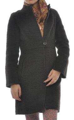 Palton negru cu nasturi