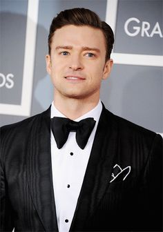 Justin Timberlake at the 2013 Grammy's! - Look at that tux, JT can dress!
