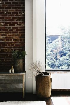 perfect spot: white, brick and wood
